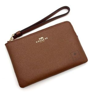 Coach - Wristlet - Saddle